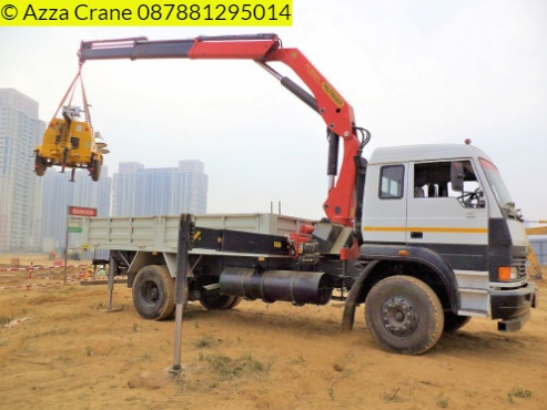 Sewa mobil Crane terbaik di Sukatani 087881295014