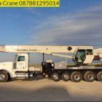 Sewa mobil Crane terbaik di Cikadueun 087881295014