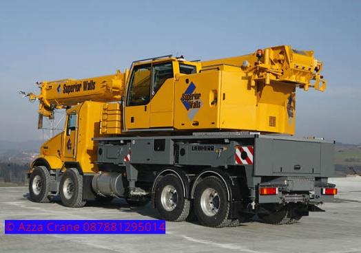 Sewa mobil Crane terbaik di Seuat S 087881295014