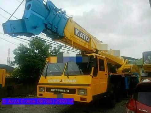 Sewa mobil Crane terbaik di Ukirsari 087881295014