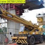 Sewa mobil Crane terbaik di Patrasana 087881295014