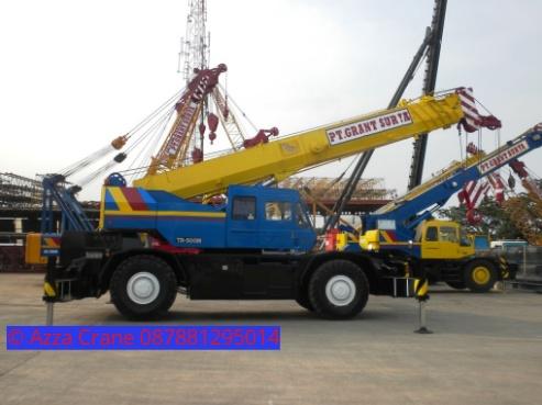 Sewa mobil Crane terbaik di Katumbiri 087881295014