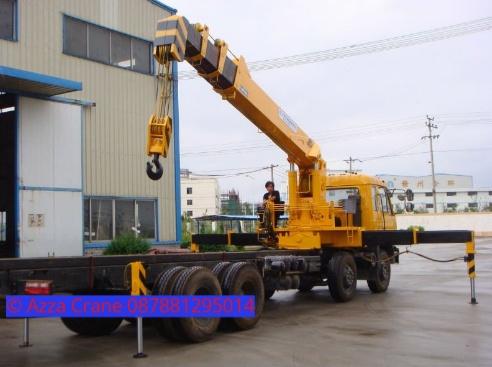 Sewa mobil Crane terbaik di Babaka 087881295014