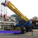 Sewa mobil Crane terbaik di Panancangan 087881295014