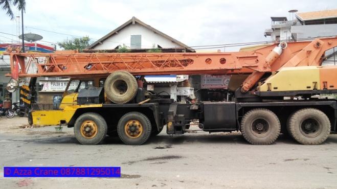 Sewa mobil Crane terbaik di Cikedung 087881295014