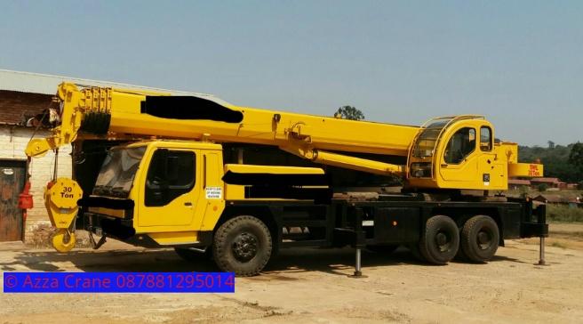 Sewa mobil Crane terbaik di Waluya 087881295014