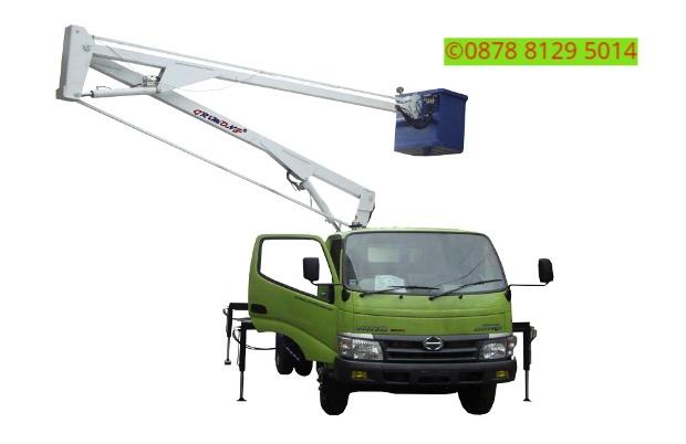 Sewa mobil Crane terbaik di Pejaten 087881295014