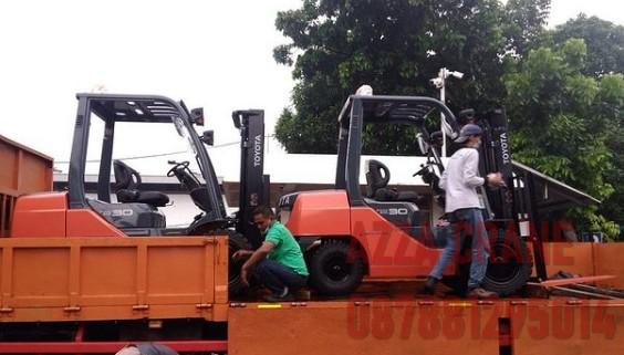 Sewa Forklift di Serua Indah