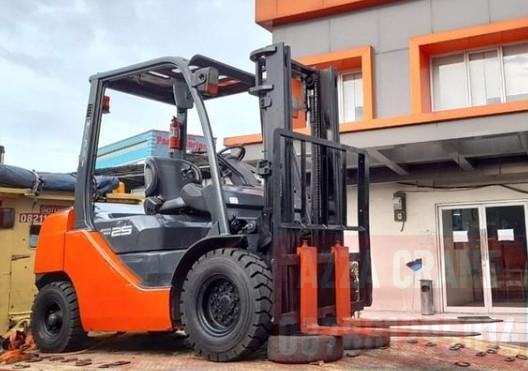 Sewa Forklift di Ratujaya