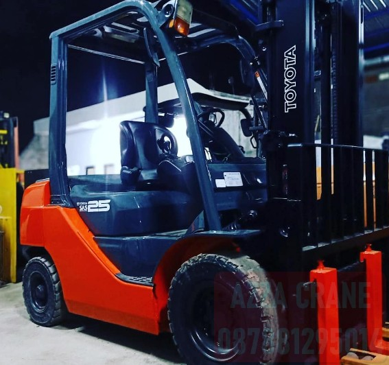 Sewa Forklift di Pasar Manggis