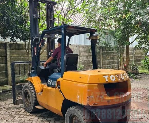 Sewa Forklift di Kelapa Gading Timur
