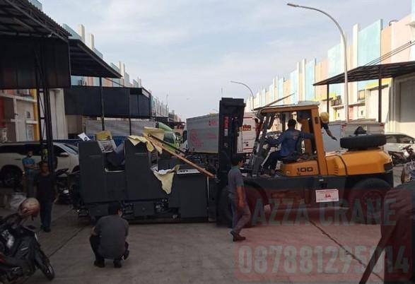 Sewa Forklift di Pisangan Baru