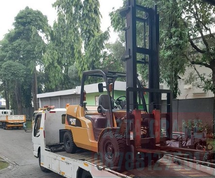 Sewa Forklift di Kampung Rawa